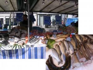 ノルマンディの海からくる牡蠣やエビはとても美味。